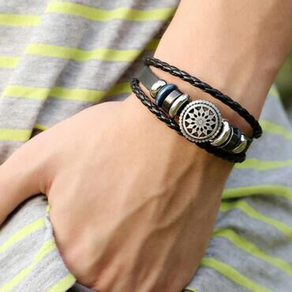 Bohemian Engraved Leather Unisex Bracelet - Black