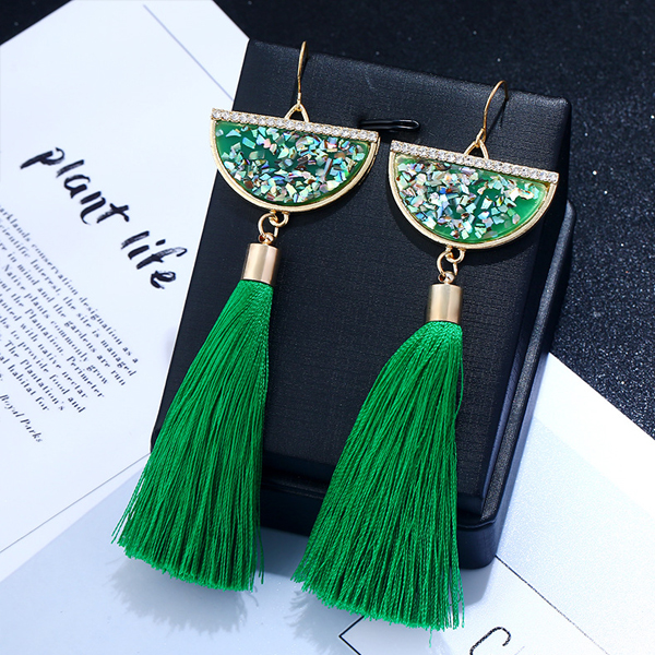 Shell Shaped Rhinestone Green Tassel Earrings