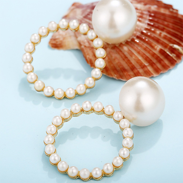 Pearl Patched Round Shaped Retro Ear Tops