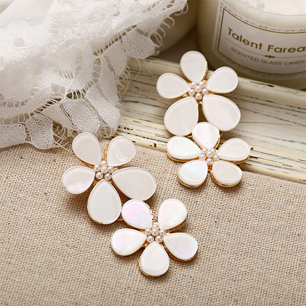 Pearl Patched Floral Shaped Party Earrings - White