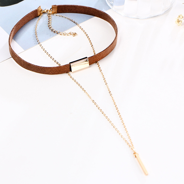 Simple Brown Choker Necklace With Gold Plated Pendant