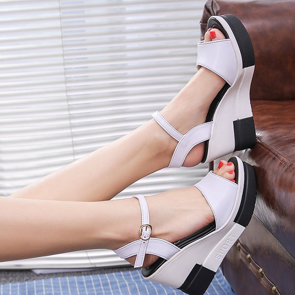 Contrast Thick Bottom Women Wear Buckle Sandals - White