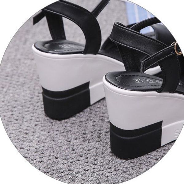 Contrast Thick Bottom Women Wear Buckle Sandals - Black