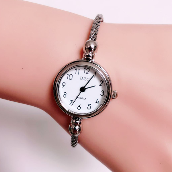 Rope Strapped Casual Analogue Bracelet Watch - White