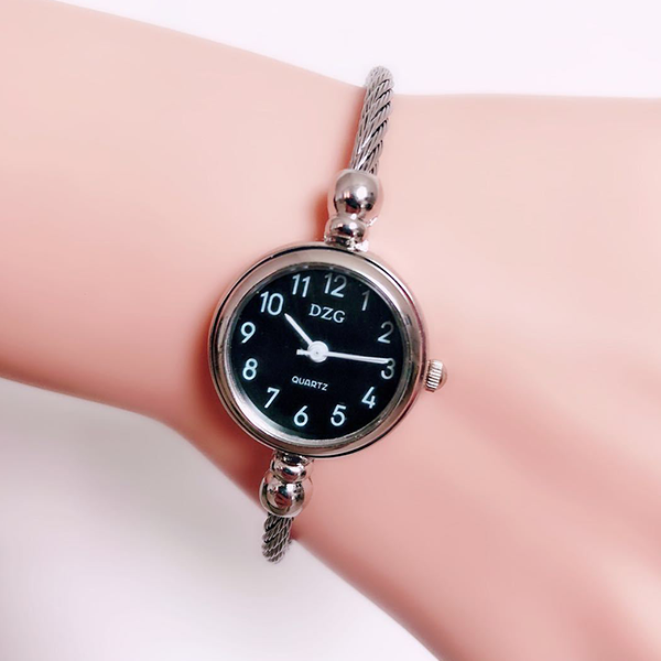 Rope Strapped Casual Analogue Bracelet Watch - Black